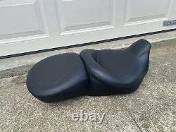 Mustang Seat Touring Harley 76033 Electra Glide Street Glide Road Glide King L6