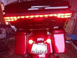 Coffre Haché De Paquet De Tour Avec La Lumière De Queue Pour Harley 14-20 Road King Street Glide